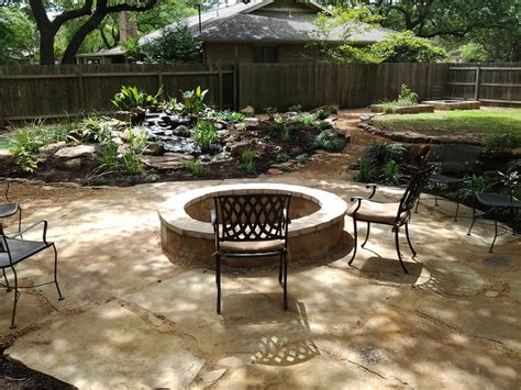Large Decomposed Granite And Flagstone Patio With A Five Crushed Granite Patio