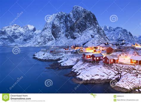Cabin Plan by Las Cabinas Del Pescador Noruego En El Lofoten En Invierno