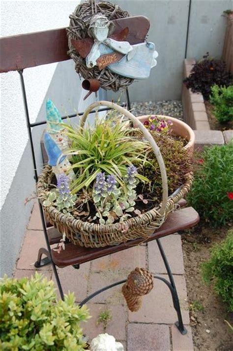 Garten Mit Alten Sachen Dekorieren