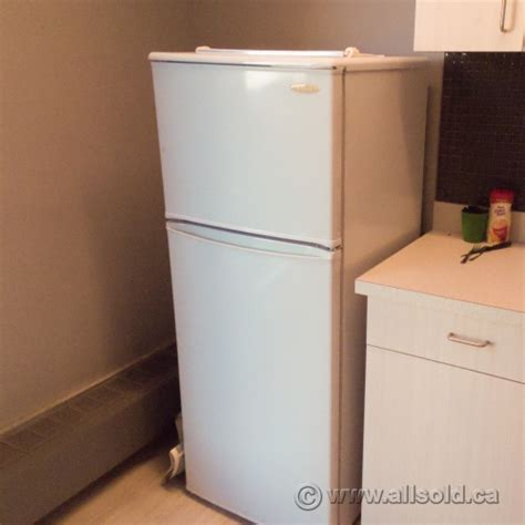 Apartment Size Fridge And Freezer Danby White 8 8 Cu Ft Apartment Size Refrigerator Fridge