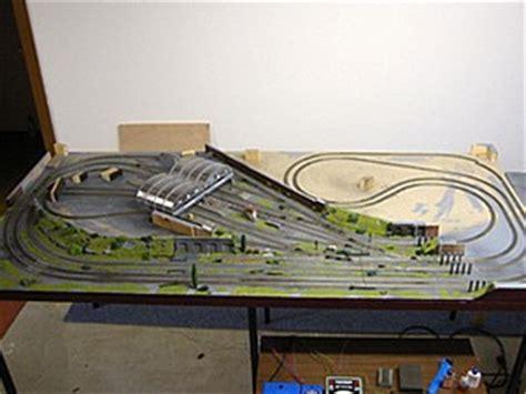 wie baue ich ein size plattformbett modellbahnanlage bauen eisenbahn spur z