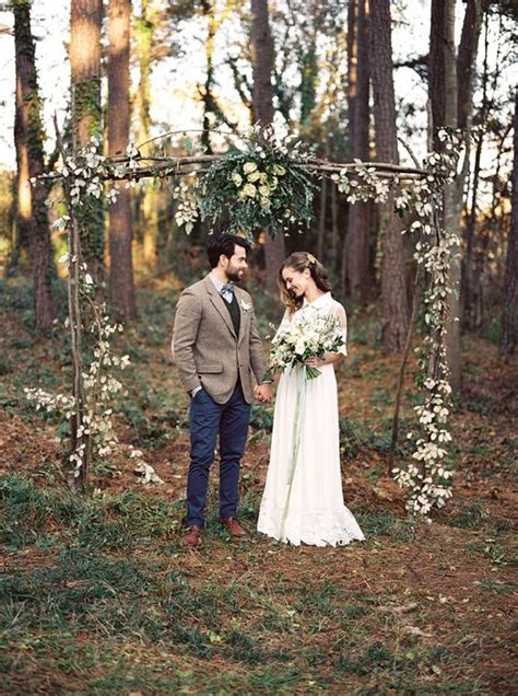 Wedding Arch Already Decorated by 30 Winter Wedding Arches And Altars To Get Inspired