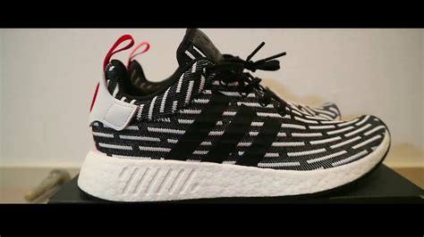 nmd r2 black white