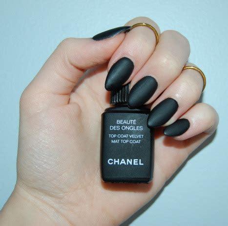 Chanel Mate black matte nails