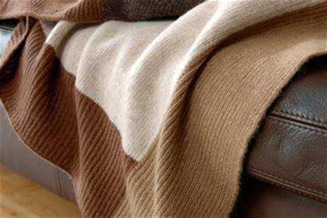 Wolldecken Reduziert by Gestrickte Wolldecken Kaufen Im Gro 223 En Wolldecke
