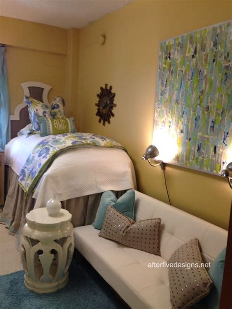ole miss rooms 17 best images about room ideas on bedding bed skirts and lilly pulitzer