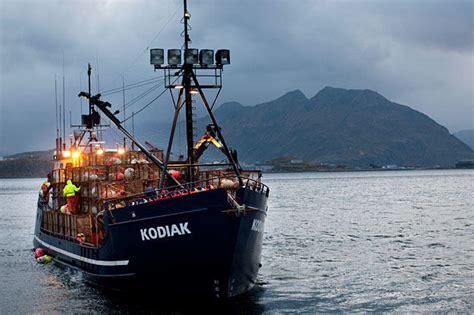 deadliest catch cape caution boat kodiak pictures deadliest catch discovery