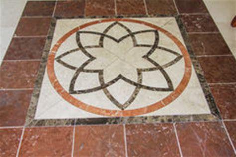 piastrelle arabe mattonelle di pavimento arabe antiche fotografie stock