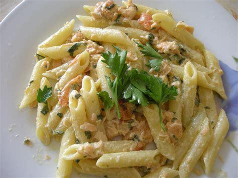 ricette primi piatti con panna da cucina pasta con salmone e panna la lunadei golosi