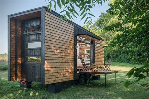 www tinyhouses com alpha tiny house by new frontier hiconsumption