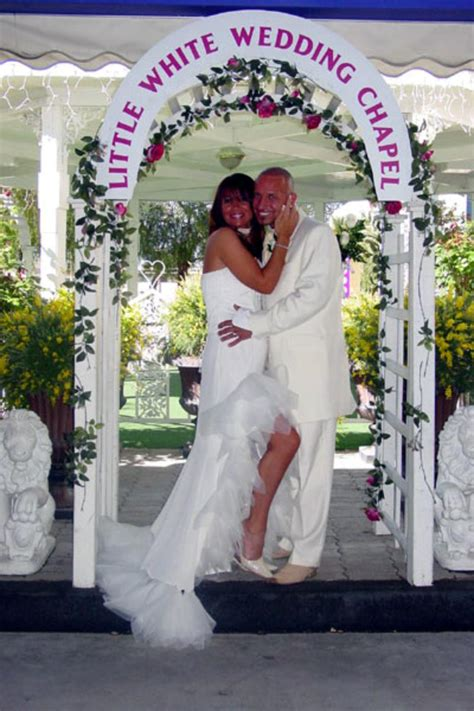 A Little White Wedding Chapel Weddings   Get Prices for
