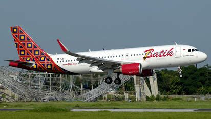 batik air indonesia airbus a320 takeoff from hamburg batik air photos airplane pictures net