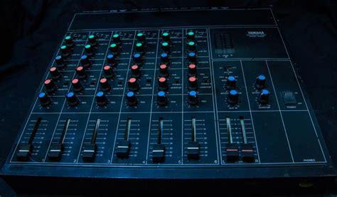 Mixer Yamaha Cina analog yamaha rm602 mixing board