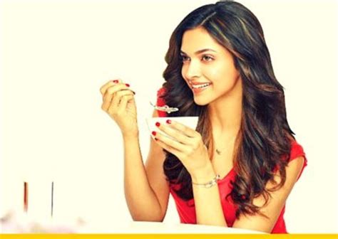 deepika padukone diet deepika padukone height weight diet plan and workout