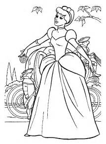 vire princess coloring pages coloriage a imprimer cendrillon devant le carrosse gratuit