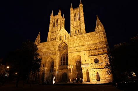 spire lincoln lincoln cathedral spires to be digitally restored through