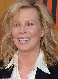 Kim Basinger Shows Off Her Great Figure At 62 During Nice Guys