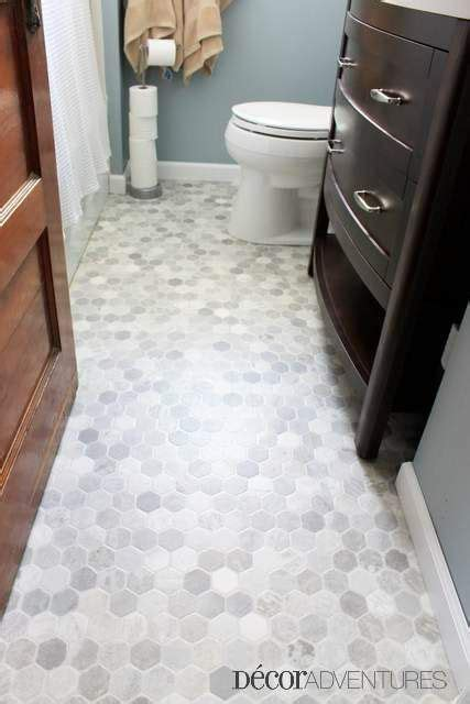 how to replace linoleum floor in bathroom 25 best ideas about vinyl flooring bathroom on