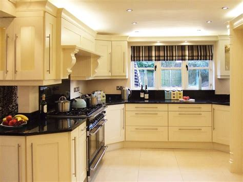 cream and black kitchen ideas shaker kitchens white cream cabinets black worktops