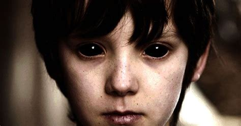imagenes de ojos de zombie creepy things you didn t know about black eyed children
