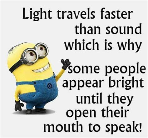Mainan Pedang Minion Light And Sound some to speak and minions on