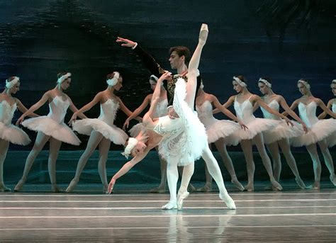 Moscow Ballet's Swan Lake | Moscow Ballet