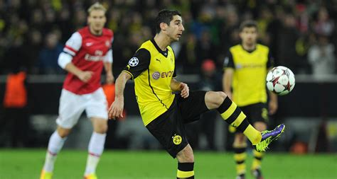 Kaos Arsenal Year Exclusive Black breathless in manchester focused at arsenal bvb de