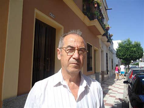la barberia coria se retira el 250 ltimo barbero de la villa guarena hoy es