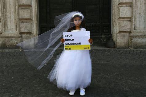 libro the year i met tunisie une adolescente de 13 ans contrainte 224 marier son violeur