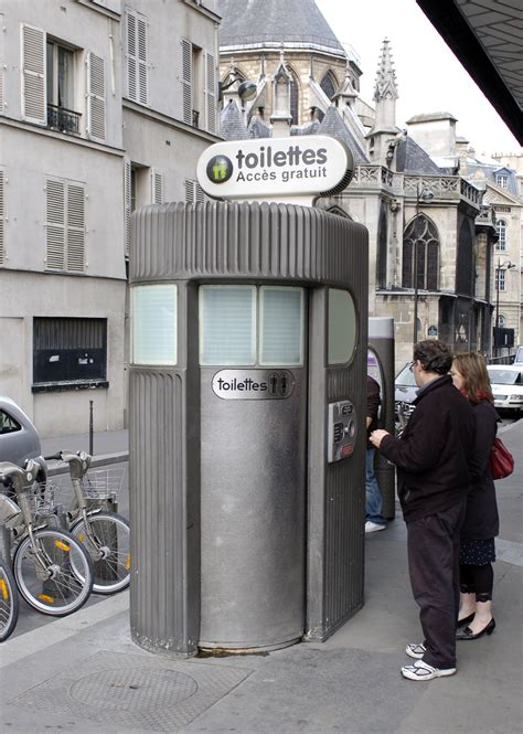 public bathrooms in europe file paris france pay toilet jpg wikimedia commons