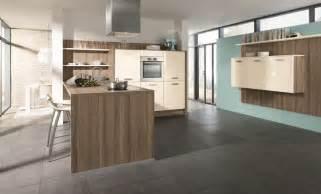 Impressionnant Plan De Travail Cuisine Pas Cher #5: cuisine-polymere-magnolia-haute-brillance-655-370.jpg