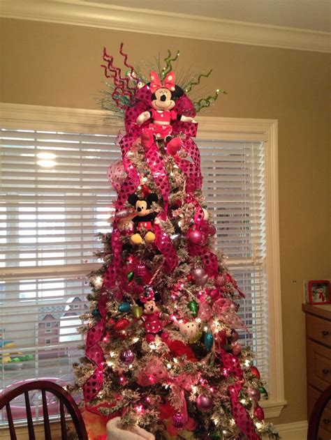 our minnie mouse christmas tree turned out so cute for