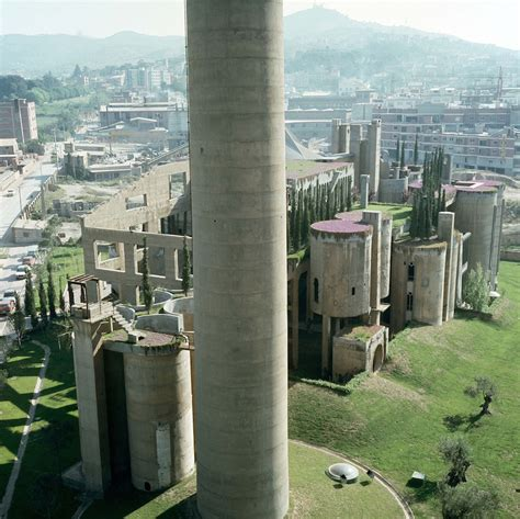 ricardo bofill resplendent old factory in spain by ricardo bofill fubiz