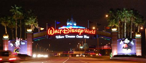 disney world in august crowd warnings tips discounts build a better mouse trip