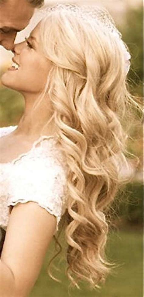 Wedding Hairstyles Wavy Hair by 25 Wedding Hairstyles Hairstyles 2016 2017