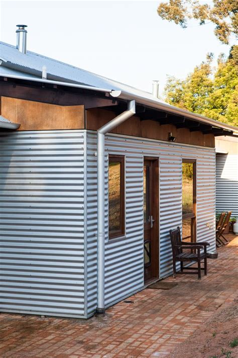 Sheds Australia by Best 25 Metal Siding Ideas On Metal Houses