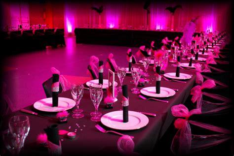 theme rose et noir mariage mariage cabaret noir fuchsia etoile de rose candy bar