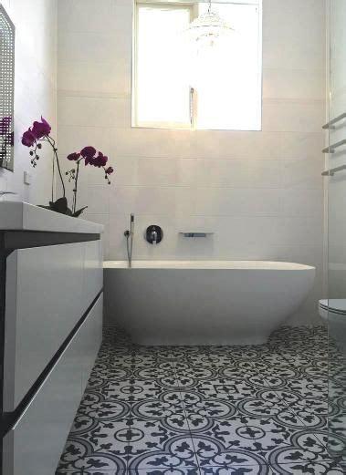 Spanish porcelain floor tiles replicas of traditional
