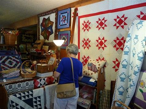 Amish Quilt Shop by Amish Quilts Quilt Shops And Amish On