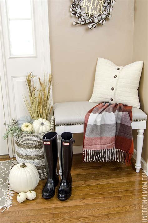 foyer nook foyer nook decorated for fall unoriginal