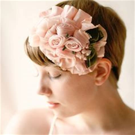 quick hair tutorial using a fascinator head band youtube 1000 images about fashion hairdo s the short cut on