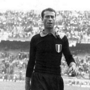 portiere della fiorentina il calcio italiano piange giuliano sarti portiere della