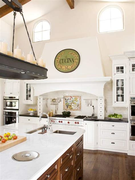 tuscan kitchen decor better homes and gardens bhg