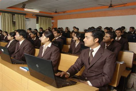Its Mohan Nagar Mba by Fees Structure And Courses Of Its Institute Of Technology