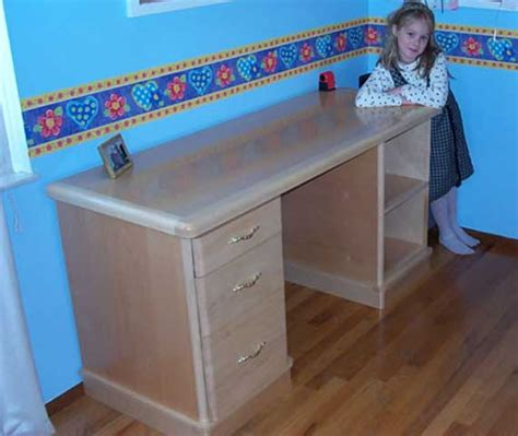 Build A Small Desk How To Build Woodworking Plans Small Desk Pdf Plans