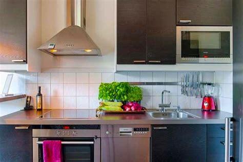small kitchen interiors 20 id 233 es pour am 233 nager et d 233 corer une cuisine