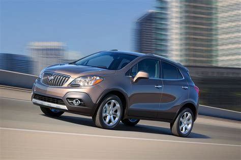 buick encore review and rating motor trend 2016 buick encore reviews and rating motor trend