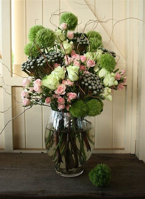 Floral Arrangements In Vases by Best 20 Vase Arrangements Ideas On
