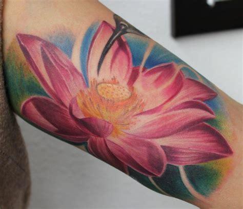 fiori di loto sul braccio 17 migliori idee su tatuaggi fiore di loto su