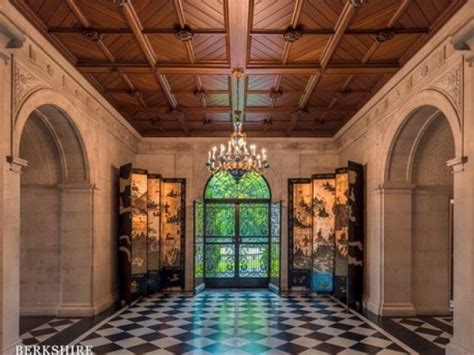 1 million dollar haunted house possibly haunted mansion can t find a buyer at 9 5